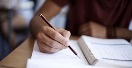 كيفية كتابة المراجع في البحث العلمي